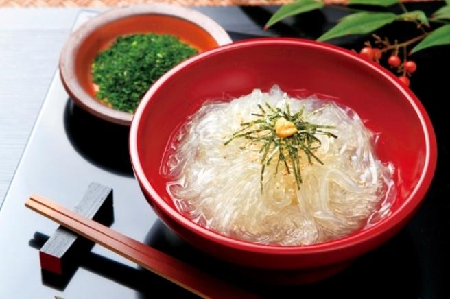 創業100年小笠原商店冬季限定品健康長寿日本一。信州の伝統食。南アルプスの名水仕込み天草100%。冬の生ところてん信州天然寒天。